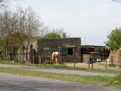 V.F. Personal shelter 400x300 - Stützpunktgruppe Texel