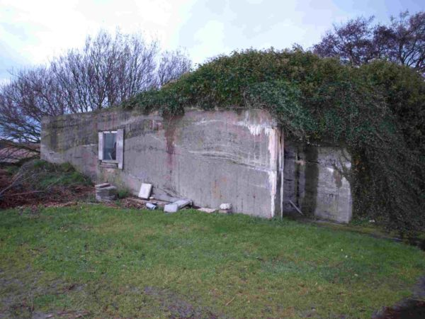 Small-airfield-command-post