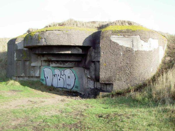 Festung IJmuiden-Bunker-671-Embrasured-emplacement