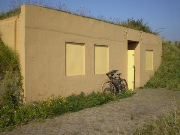 Festung IJmuiden-Bunker-Küver451a-Shelter-for-up-to-18-men