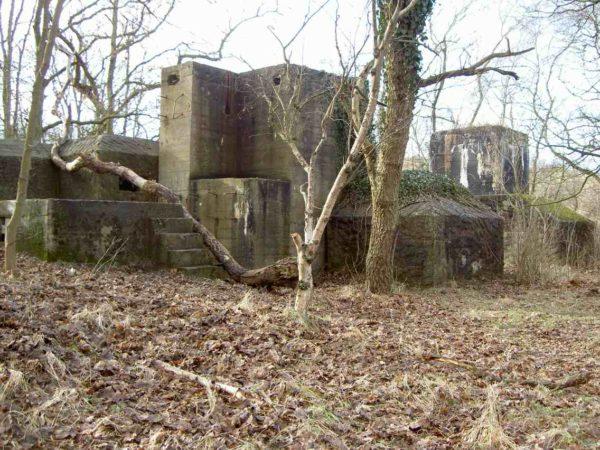 Festung IJmuiden-Fortified-entrance-(Walzkörpersperre)