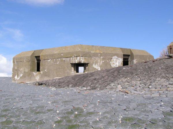 Festung IJmuiden-V191-Depth-charge-thrower