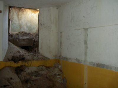 Personnel-shelter