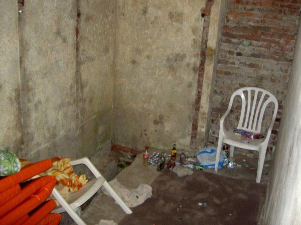 Toilet-bunker
